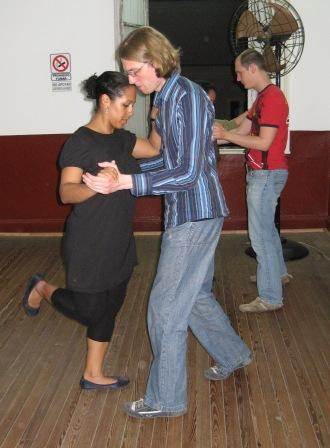 tango-lesson2.JPG